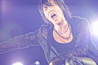氷室京介が復興チャリティで全曲BOΦWYを熱唱(2011年6月13日)
