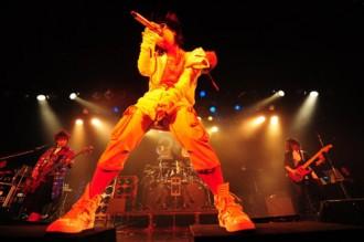 <写真>恵比寿リキッドルームでライブを行ったラルク(2012年4月)
