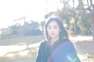 アコースティック・ミニアルバムを発売する安藤裕子