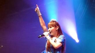 中川翔子がフランス・パリで初ライブ