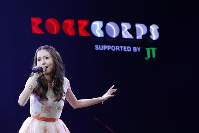 【写真】<RockCorps>May J.が熱唱(2014年9月6日)