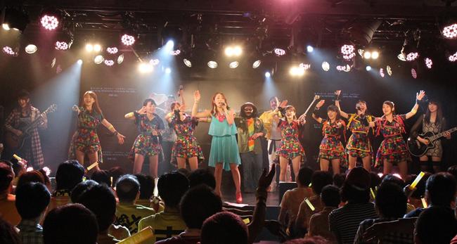 【写真】吉川友が初の主催フェスで熱唱1(2014年9月28日)