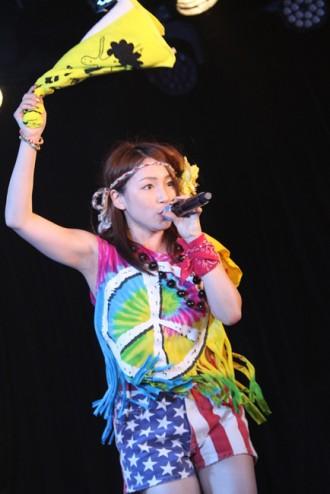 【写真】吉川友が初の主催フェスで熱唱2(2014年9月28日)