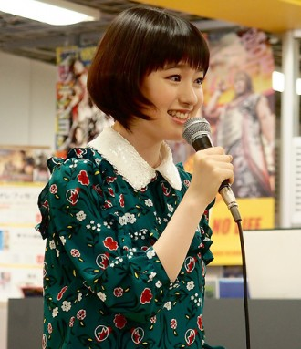[写真]武藤彩未がデビュー年の1年を振り返る