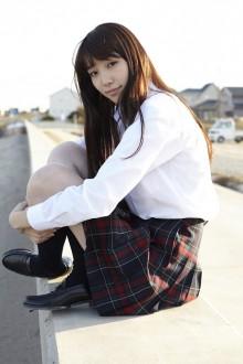 [写真]Seventeenモデルの飯豊まりえが初水着-1