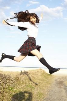 [写真]Seventeenモデルの飯豊まりえが初水着-2