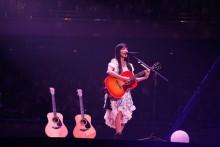 [写真]miwa感涙アコギ1本で熱唱4