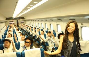 倉木麻衣がMVで新幹線でダンスモブ