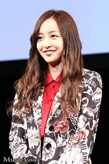 板野友美が初主演映画の主題歌披露【1】
