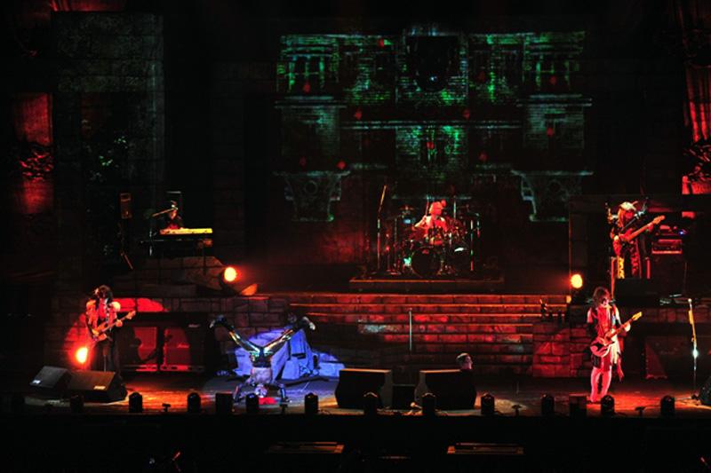 日本武道館公演を行った聖飢魔II(撮影・今元秀明)