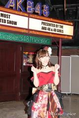 卒業公演後、清々しい表情で囲み取材に応じた岩佐美咲
