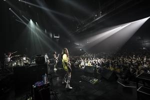 仙台PITでライブをするSCANDAL