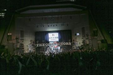 武道館決定を告げる野音ステージ(撮影・柴田恵理)