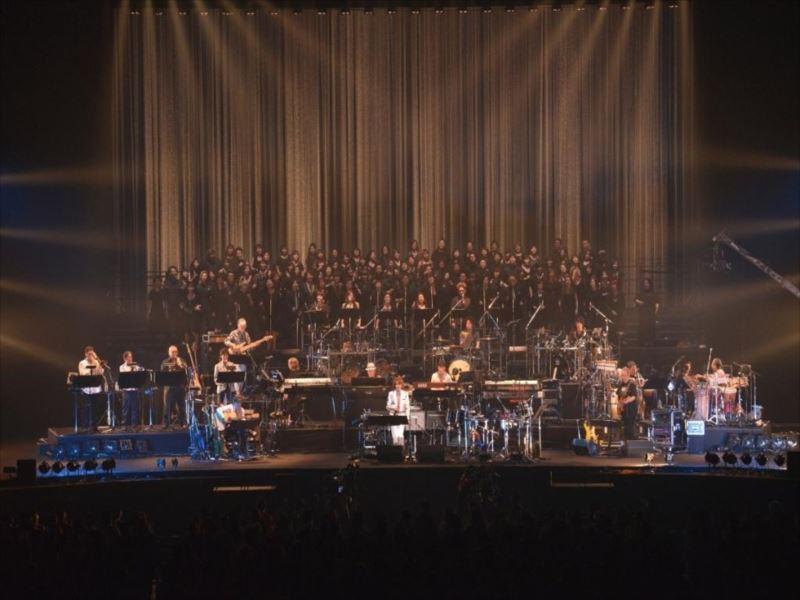 総勢100名を超えるミュージシャンと共演した角松敏生