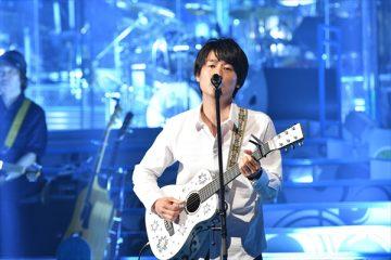 故・尾崎豊さんの息子の尾崎裕哉(c)TBS「音楽の日」より