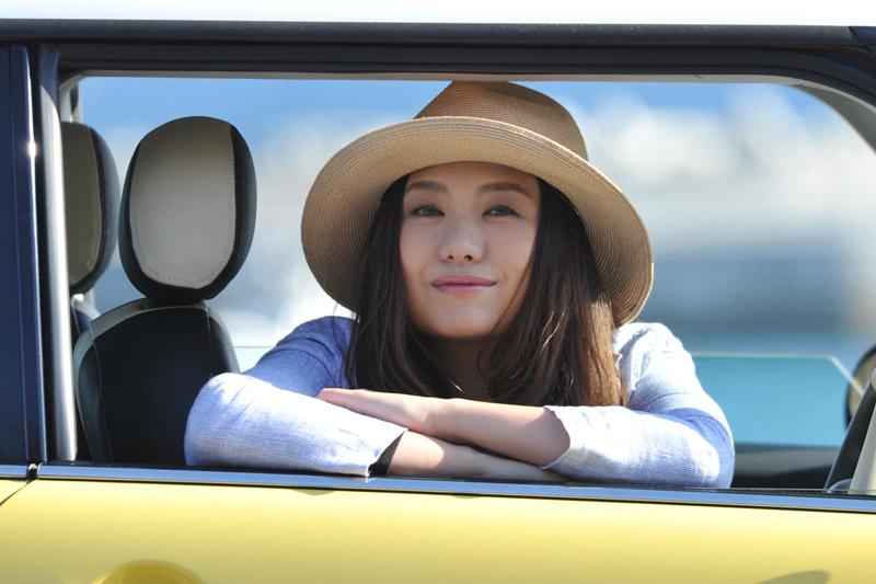 デビュー当時から変わらず気仙沼で活動を続けるシンガーソングライターの熊谷育美