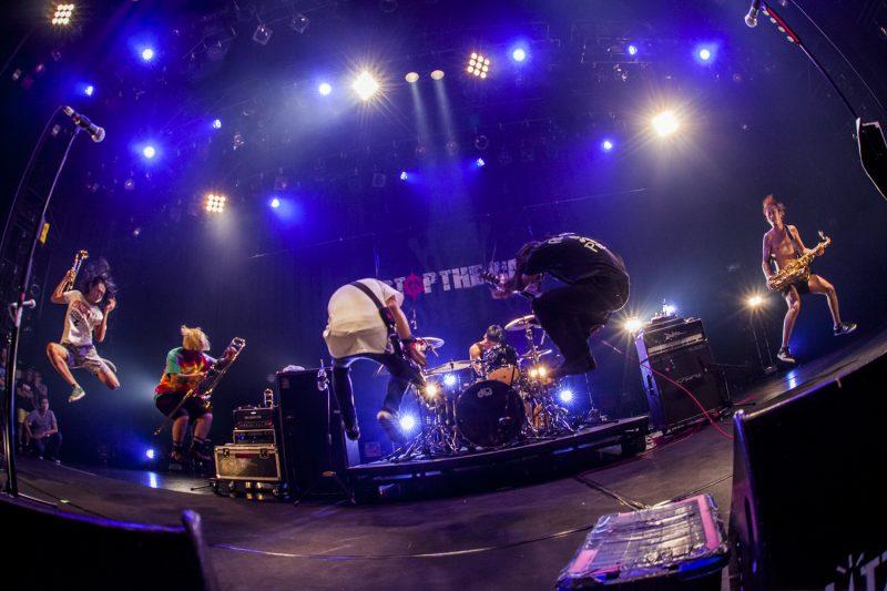 ニューアルバム『STOP THE WAR』を引っ提げ47都道府県計62公演のツアー中のHEY-SMITH
