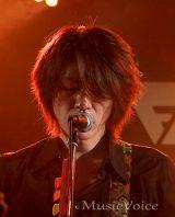 SMAP「ススメ!」を作曲した、元JUDY AND MARYのギタリストで音楽プロデューサーのTAKUYA