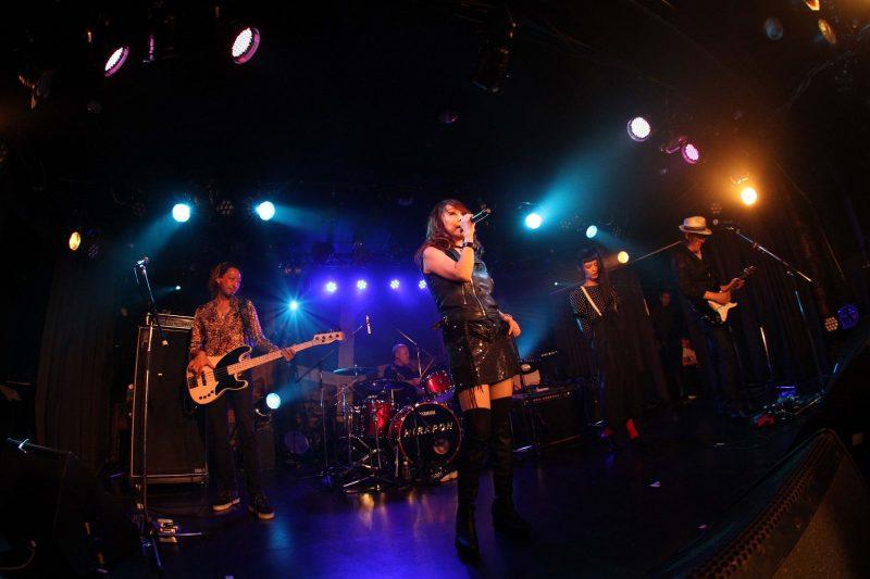 杏子といまみちのライブにエンリケとKOISOがサプライズ出演