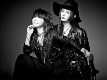 新曲でコラボした杏子とリンダ。MVのテーマは「キャットファイト」