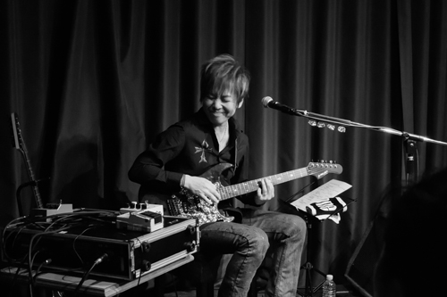 変幻自在の「音」を奏でたギタリスト・本田毅