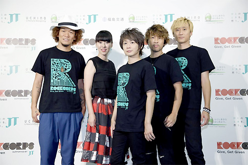 囲み取材に応じたAqua Timez(C)RockCorps supported by JT