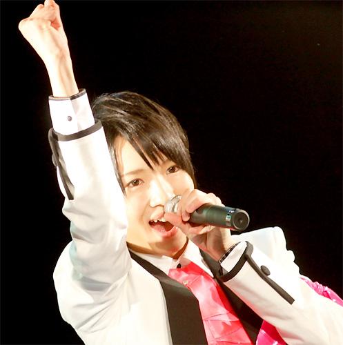 PON!お天気コーナーを担当することを発表した西岡健吾