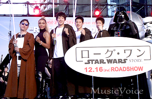 イベントに出席したCrystal Key、☆Taku Takahashi、水谷隼選手、瀬戸大也選手、坂井聖人選手(撮影・桂 伸也)