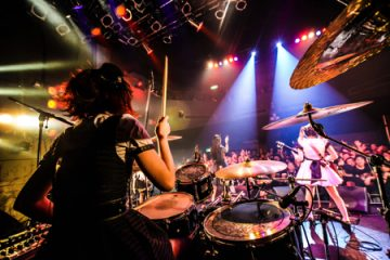 ドラムのAKANE(撮影・藤原美紀)