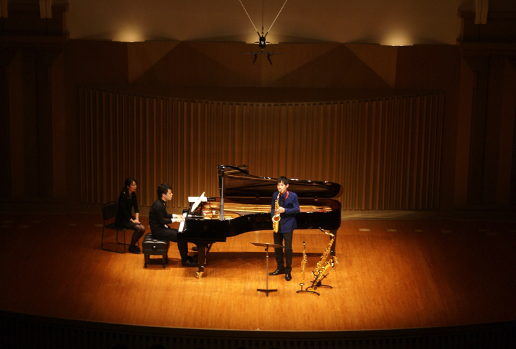 サクソフォンの新たな魅力を見せてくれた若き奏者の上野耕平