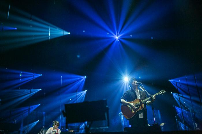 デビュー10周年を記念した全国ツアーは生のストリングスを導入し圧巻の世界観で楽曲を表現