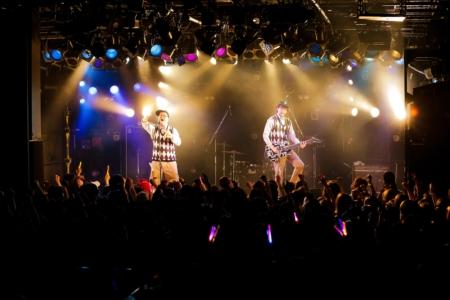 ONIGAWARAのステージ(撮影=結城さやか)