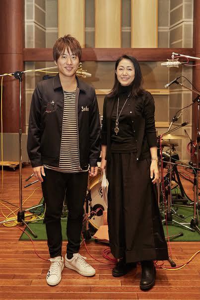デビュー45周年シングル第2弾でコラボした小渕健太郎と石川さゆり2