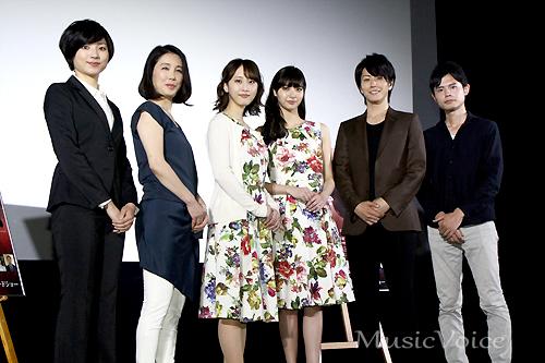 「めがみさま」の完成披露試写会に出席した松井玲奈と新川優愛ら