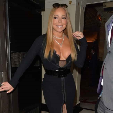 Mariah Carey arrives at the Dorchester Hotel in London to perform at a wedding. London, United Kingdom - Sunday, January 15, 2017. Photograph: (C) Palace Lee, PacificCoastNews. Los Angeles Office (PCN): +1 310.822.0419 UK Office (Photoshot): +44 (0) 20 7421 6000