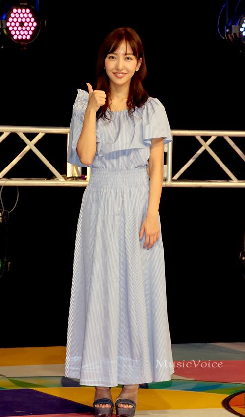 記念イベントをおこなった板野友美