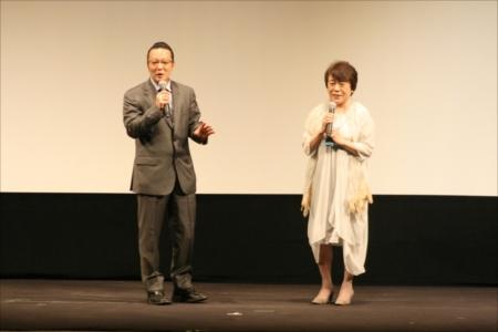 美空ひばりさんについて語る加藤和也氏と神津カンナ女史
