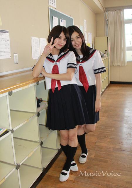 243(右)と吉崎綾