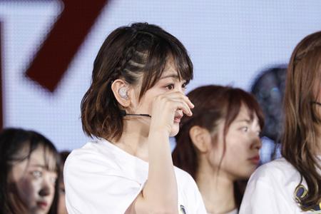 東京ドーム公演決定に涙する生駒