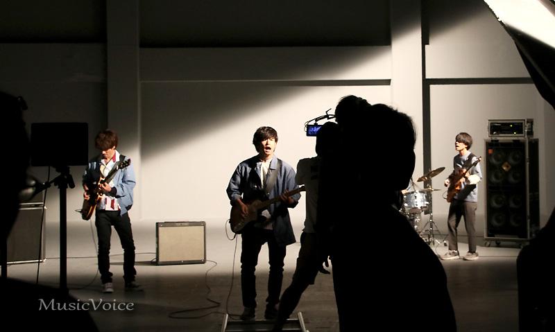 新4人体制として初めてフルスタジオでのMV撮影をおこなったフレデリック