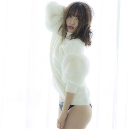 セクシーな美脚姿をインスタに投稿したSUPER☆GiRLS渡邉幸愛