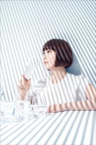 「STRIPE」のMVを公開した土岐麻子
