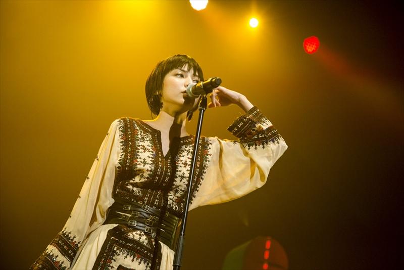 東京・日本青年館ホールで初のホールツアー「LIVE TOUR UTAUTAU vol.3」を開催