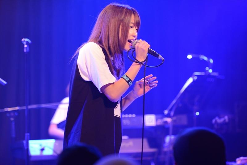 東京・新宿MARZで発売記念ライブ『Lily's Blow 泥沼レコ発ワンマンライヴ』を開催したLily's Blow