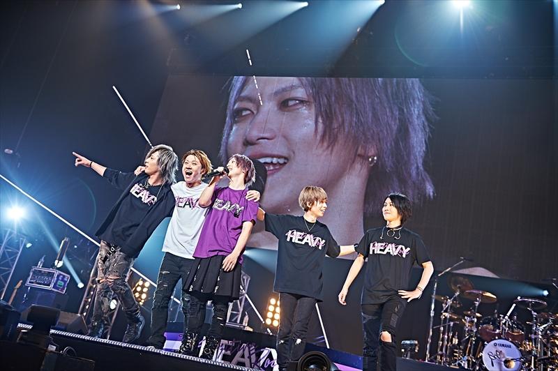 初の日本武道館でワンマンライブ『HEAVY POSITIVE ROCK』を開催したSuG