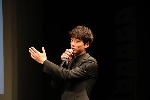 嵐・松本潤の演技に感嘆したと話す坂口健太郎