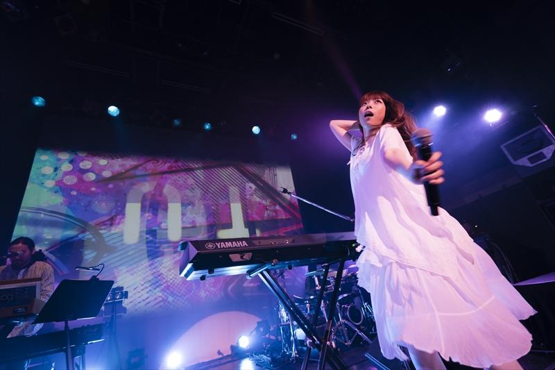 東京・渋谷WWWでフリーワンマンライブを開催したましのみ(撮影=木村智軌)
