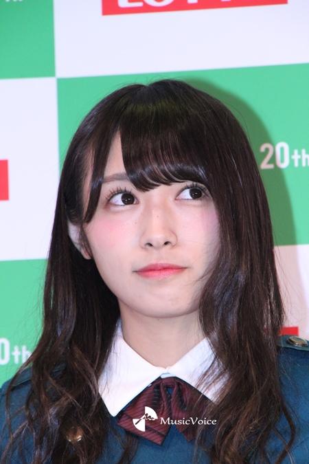 4thシングル「不協和音」の衣装で登場した渡辺梨加