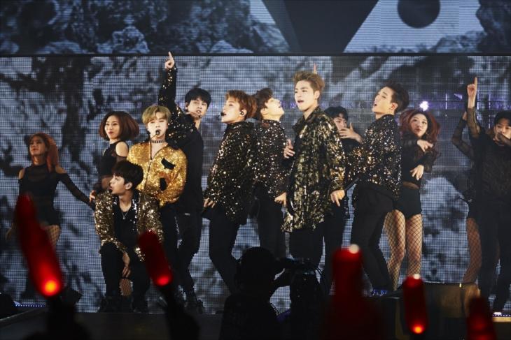 千葉・幕張メッセイベントホールで『iKON JAPAN DOME TOUR 2017 追加公演』を開催したiKON