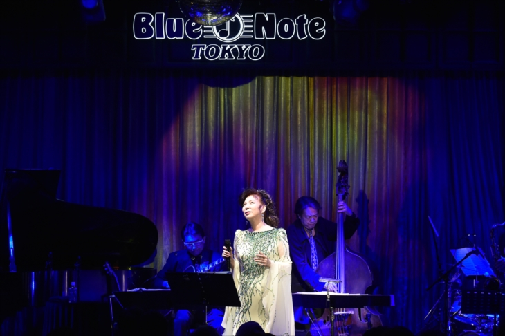 Blue Note Tokyoで『An Evening with AKI YASHIRO』を開催した八代亜紀